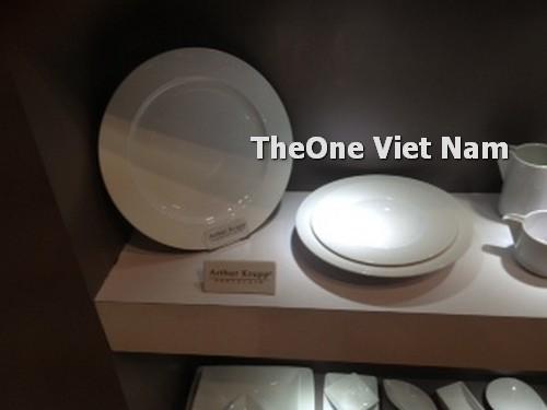 bát đĩa sứ dùng trong khách sạn